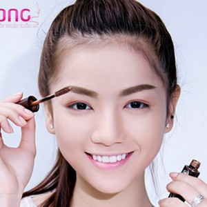 mascara-nhuom-long-may-ban-da-thu-chua-1