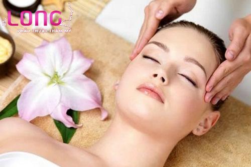 cach-massage-mat-lam-cang-da-mat-1